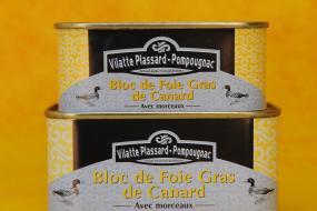Photo représentant le bloc de foie gras de canard avec morceaux